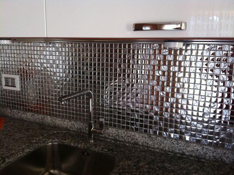 Cucina in mosaico argento in vetro | Mondo Mosaico Italia