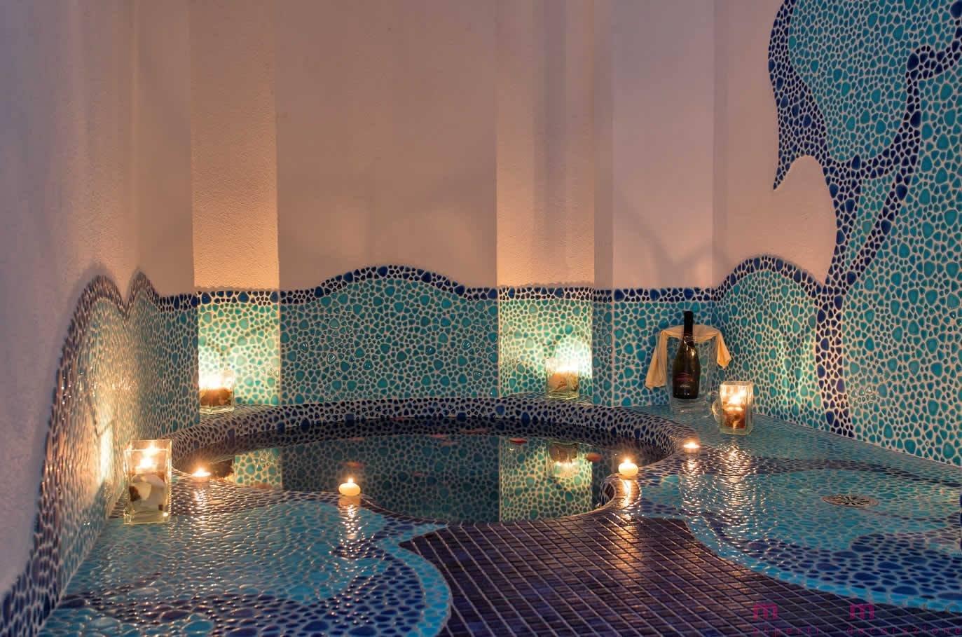 piscina in mosaico
