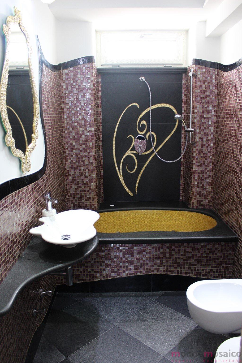 Bagno in mosaico viola e oro mondo mosaico italia - Piastrelle viola bagno ...