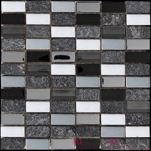 Mosaico a tessere rettangolari in vetro e marmo nero