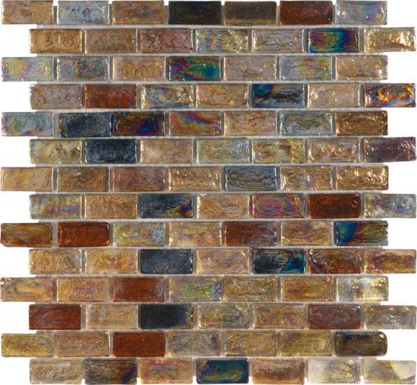 Mosaico in vetro con tessere rettangolari Mosaico in vetro con tessere rettangolari iridescente multicolor ambra, rame..